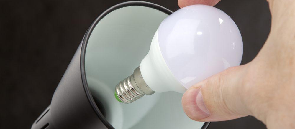 byte av glödlampa